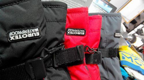 Непромокаемые и непродуваемые перчатки система Waterproof и Wind protect.  Кожаная ладонь. Хлястик для фиксации на запястье. В перчатке существует  отдел для ... f80e1322868